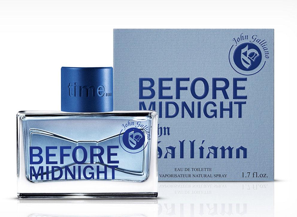 John Galliano Туалетная вода BEFORE MIDNIGHT мужская, 50 мл67000071Before Midnight - это первый аромат для мужчин в парфюмерной коллекцииJohn Galliano, который выходит в свет весной 2013 года. Композиция заявлена как радостная, красочная и эксцентричная, но при этом элегантная и вечерняя. Аромат может быть описан такими словами как ослепительный, театральный и гламурный. Before Midnight описывается как изысканная восточно-древесная композиция, запоминающаяся и уникальная. Она открывается свежими и бодрящими нотами зеленого яблока, белого перца и кардамона. Лист фиалки, лаванда и сочная слива образуют сердце. Наконец, база включает сухую амбру, бобы тонка, табак и древесные аккорды.