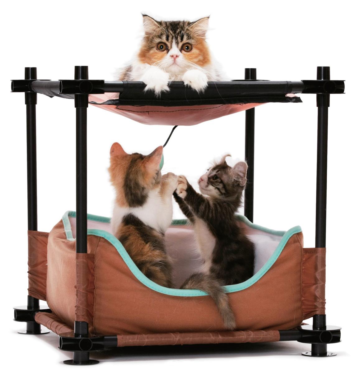 Лежак для кошек Kitty City Барские покои, 44 х 45 х 45 см23063Лежак Kitty City Барские покои поразит вас своим непревзойденным удобством. И будьте уверены, кошка тоже оценит уникальные преимущества нового спального места. Лежак сочетает в себе функции прекрасной кровати и игрового комплекса. Он великолепно подходит для активных и озорных животных, которые даже перед сном предпочитают поиграть с подвесной игрушкой и плавно из состояния игры перейти в глубокий сладкий сон. Лежак изготовлен из высокопрочных, устойчивых к повреждениям материалов. Каркас из пластиковых трубок удобно собирается и разбирается, облегчая транспортировку и хранение. Спальное место изготовлено из мягкого флиса. Игрушка выполнена в виде полумесяца. Лежак прекрасно подойдет для использования как индивидуально, так и в совокупности с игровыми комплексами Kitty City.