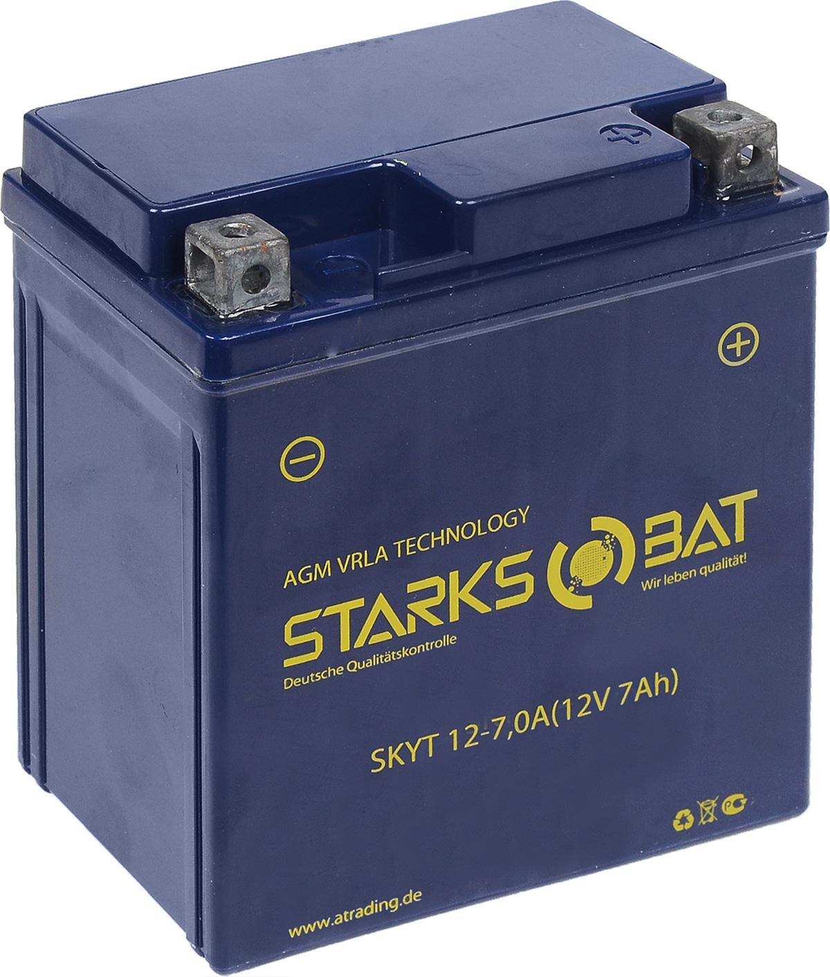 Батарея аккумуляторная для мотоциклов Starksbat. YT 12-7.0А (YTX7L-BS)YT 12-7.0AАккумулятор Starksbat изготовлен по технологии AGM, обеспечивающей повышенный уровень безопасности батареи и удобство ее эксплуатации. Корпус выполнен из особо ударопрочного и морозостойкого полипропилена. Аккумулятор блестяще доказал свои высокие эксплуатационные свойства в самых экстремальных условиях бездорожья, высоких и низких температур. Аккумуляторная батарея Starksbat производится под знаменитым немецким контролем качества, что обеспечивает ему высокие пусковые характеристики и восстановление емкости даже после глубокого разряда. Напряжение: 12 В. Емкость: 7 Ач. Полярность: прямая (+ -). Ток холодной прокрутки: 115 Аh (EN).