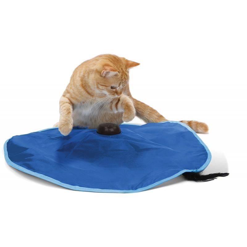 Игрушка для кошек SportPet Designs Сatch Me If You Can, 60 х 60 х 9 см26401Игрушка для кошек SportPet Designs Сatch Me If You Can - это уникальное развлечение для вашего любимца. С ее помощью вы сможете разнообразить досуг кошки и сделать ее более подвижной. Изделие представляет собой текстильный коврик, под которым находится пластиковая палочка с перьями. При включении палочка спонтанно циркулирует вокруг, останавливается и меняет направление, имитируя поведение живой мышки и тем самым увлекая вашего питомца в игру. Быстро движущаяся палочка развлекает котов часами. Кошкам понравится пытаться поймать быстро бегущую мышь, а четыре скорости не дадут заскучать. Просто щелкните выключателем - и ваша кошка надолго будет увлечена интереснейшей и энергичной игрой. Такая игрушка не оставит равнодушными даже самых ленивых котов! Игрушка работает без подключения к сети, она абсолютно безопасна и легка в обращении. Работает от батареек типа АА (батарейки в комплект не входят).