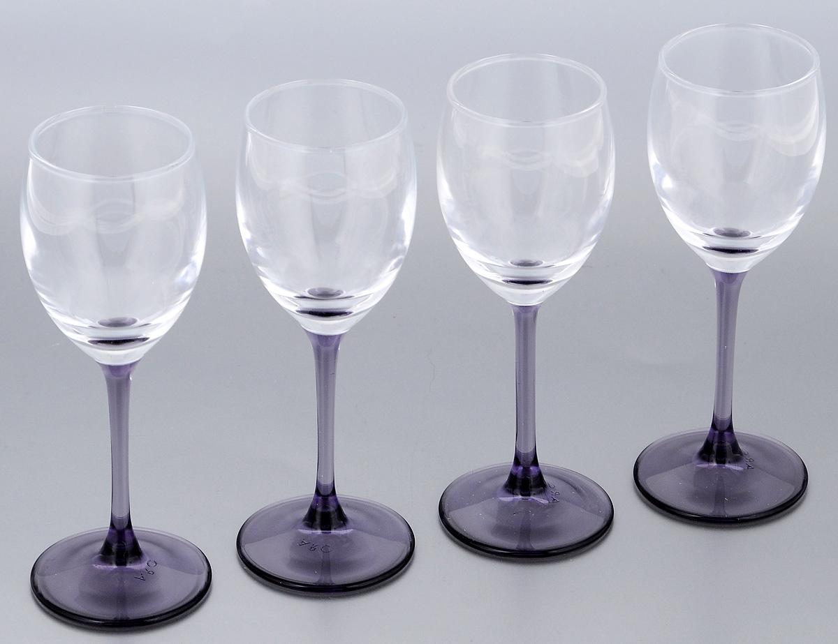 Набор фужеров Luminarc Sweet Lilac, 65 мл, 4 штH2314Набор Luminarc Sweet Lilac состоит из четырех фужеров, выполненных из прочного стекла. Изделия оснащены высокими ножками. Фужеры предназначены для подачи различных напитков. Они сочетают в себе элегантный дизайн и функциональность. Благодаря такому набору пить напитки будет еще вкуснее. Набор фужеров Luminarc Sweet Lilac прекрасно оформит праздничный стол и создаст приятную атмосферу за романтическим ужином. Такой набор также станет хорошим подарком к любому случаю. Диаметр фужера (по верхнему краю): 4 см. Высота фужера: 13,5 см.