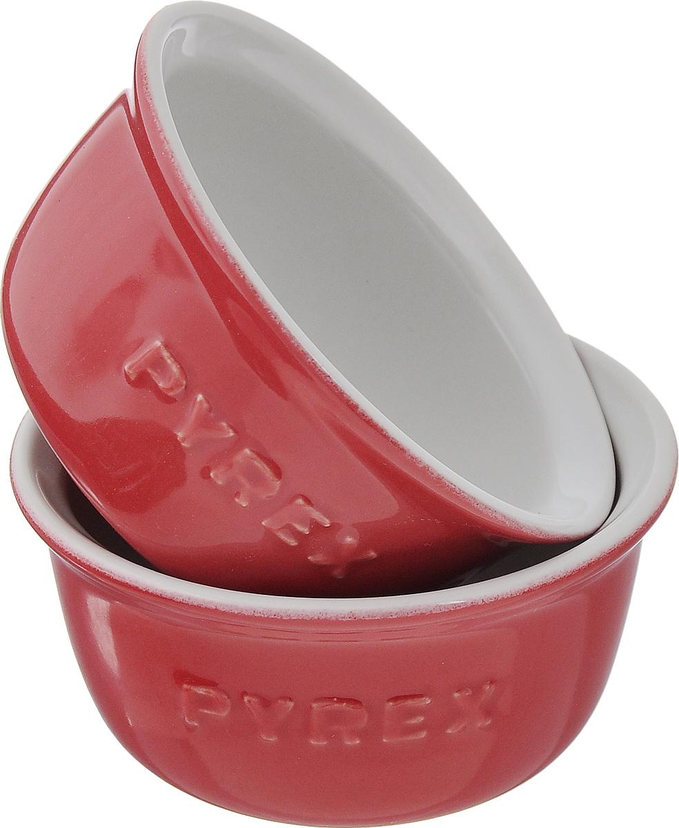 Набор форм для запекания Pyrex Impressions, цвет: красный, белый, диаметр 9 см, 2 штIC5STR9Набор для запекания Pyrex Impressions состоит из 2 форм, выполненных в виде мисок с надписью Pyrex. Изделие изготовлено из жаропрочной керамики. Такой набор станет полезным приобретением для вашей кухни. Можно мыть в посудомоечной машине и использовать в духовке при температуре до 250°С. Внутренний диаметр формы: 8 см. Высота стенки: 5 см.