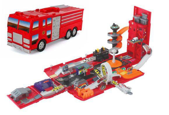 Пламенный мотор Набор-трансформер Пожарная машина - Автогород87539Набор-трансформер Пожарная машина - Автогород - это игрушка 2 в 1. Пожарная машина трансформируется в настоящий автогородок, оснащенный трассой с пусковым устройством и паркингом с подъемником. Для игры не требуются батарейки.