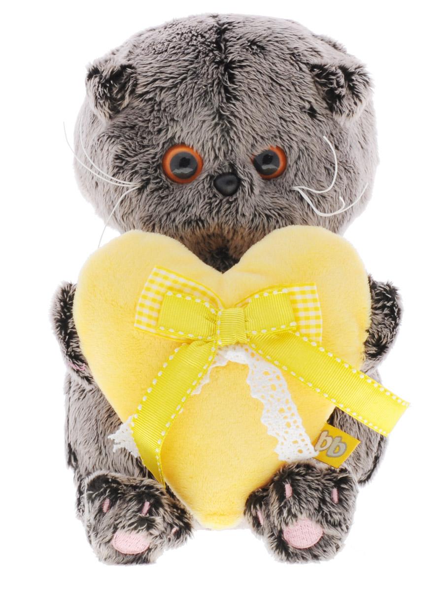 Мягкая игрушка Басик Baby с сердечком 20 смBB-006Мягкая игрушка Басик Baby подарит малышу немало прекрасных мгновений. Дети очень трепетно относятся к домашним животным, особенно они любят котов и собак и часто просят своих родителей приобрести им такого друга. Однако домашние питомцы не всегда хорошо влияют на детей - они могут поцарапать и даже вызвать аллергическую реакцию, поэтому приходят на помощь мягкие игрушки, очень похожие на настоящих питомцев. С этим шотландским вислоухим котиком можно играть, отдыхать и засыпать в обнимку, рассказывая свои секреты. У него густая плюшевая шерстка, которую так приятно гладить. У Басика круглые медовые глазки, маленькие ушки и черный носик. Он держит в лапках большое сердечко из желтого софта с бантиками из белого кружева и желтой атласной ленточки. Играя, малыш развивает фантазию и воображение, развивает тактильную чувствительность и хватательные рефлексы. Игрушка выполнена из нетоксичных гипоаллергенных материалов и содержит мелкие гранулы, способствующие развитию мелкой...