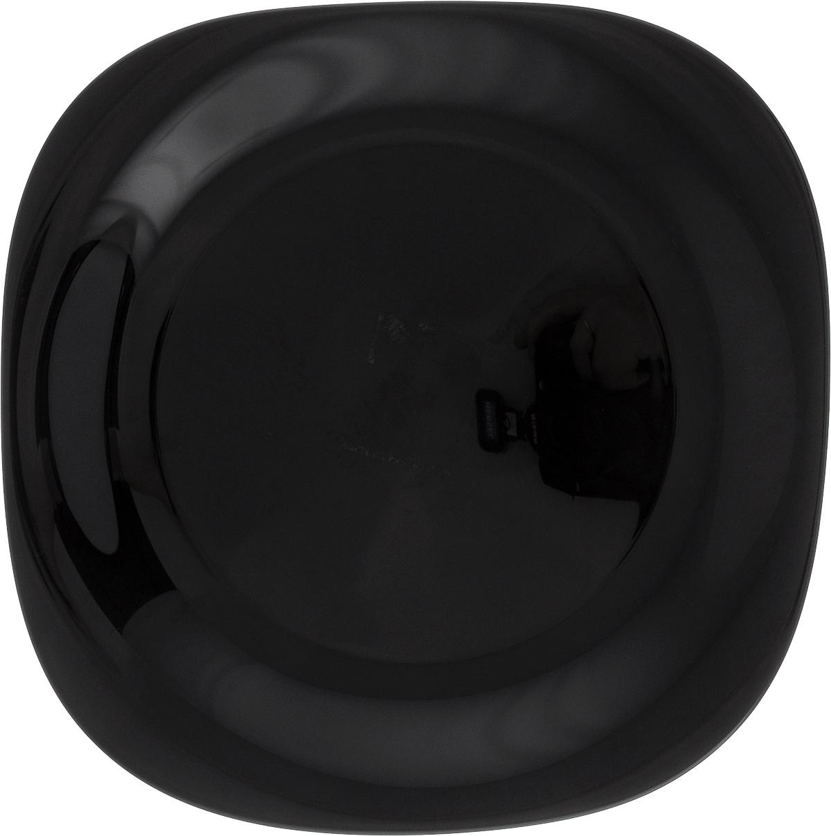 Тарелка обеденная Luminarc Carine Black, 26 х 26 смH3666Обеденная тарелка Luminarc Carine Black, изготовленная из высококачественного стекла, имеет изысканный внешний вид. Яркий дизайн придется по вкусу и ценителям классики, и тем, кто предпочитает утонченность. Тарелка Luminarc Carine Black идеально подойдет для сервировки вторых блюд из птицы, рыбы, мяса или овощей, а также станет отличным подарком к любому празднику. Размер тарелки (по верхнему краю): 26 х 26 см.