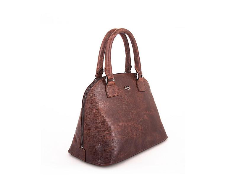 Сумка женская FRIJA, цвет: коричневый. 21-0309A-1521-0309A-15Стильная женская сумка выполнена из натуральной кожи и оформлена металлической пластиной с названием бренда на лицевой стороне. Сумка имеет одно основное отделение, которое закрывается на застежку-молнию. Внутри - открытый карман, вшитый карман на молнии и два накладных кармашка для телефона и мелких бумаг. Сумка оснащена двумя удобными ручками на металлической фурнитуре золотистого цвета. На дне имеется 4 металлические ножки. Стильная сумка Frija станет финальным штрихом в создании вашего неповторимого образа. Женская сумочка Frija - это воплощение элегантности и шика. Высококачественные материалы, чистота линий, как выбор стиля, идут об руку с модными тенденциями. Обладательницей данной коллекции может быть только сильная и независимая женщина, бросающая вызов обыденности. Размеры ДЛ30хШР16,5хВТ23