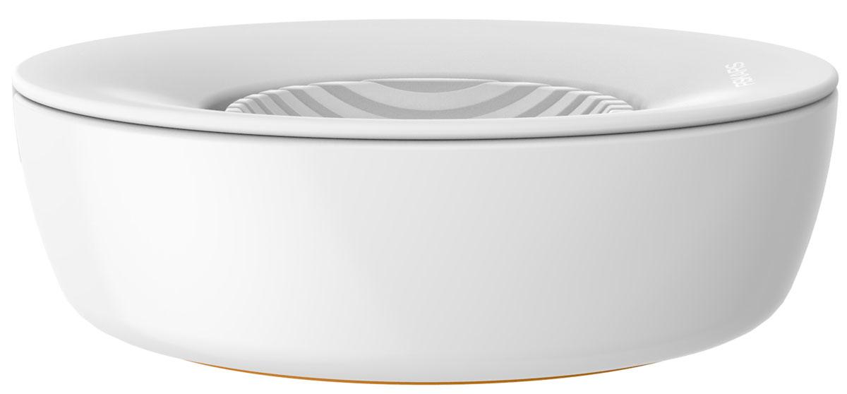 Яйцерезка Fiskars, с контейнером1016126Яйцерезка Fiskars идеально подходит для нарезания вареных яиц, овощей, фруктов и грибов. Острые лезвия, выполненные из высококачественной нержавеющей стали, позволяют быстро и легко нарезать продукты. Корпус изготовлен из прочного пластика. Имеется контейнер для нарезанных яиц.