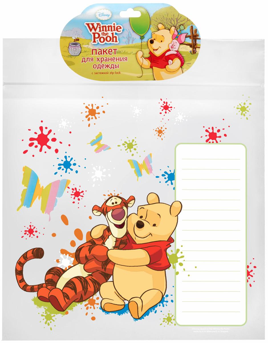 Пакет для хранения одежды Disney Винни и его друзья, 38 x 38 см64834Вакуумный пакет Disney Винни и его друзья, выполненный из плотного полиэтилена, предназначен для компактного хранения и перевозки одежды, постельных принадлежностей, мягких игрушек и прочего. Обеспечивает герметичную защиту вещей от влаги, пыли, моли и запаха. Пакет оснащен удобной ручкой для переноски. Возможно многократное использование пакета.