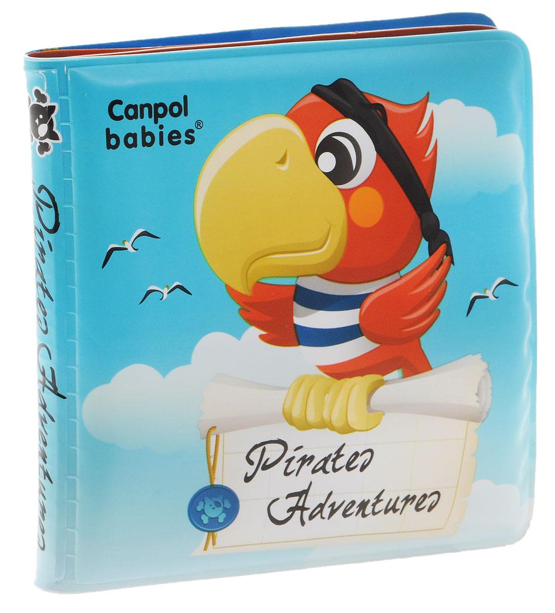 Canpol Babies Книжка-игрушка для ванны Пираты2/803_голубойКнижка-игрушка для ванны Canpol Babies Пираты понравится вашему ребенку и развлечет его во время купания. Книжка содержит 4 листа из прочного безопасного материала с изображениями забавных животных-пиратов. В первом листе спрятана пищалка. Книжка не промокает и хорошо держится на воде. Красочные картинки и звук пищалки, который возникает при нажатии на книжку, привлекают внимание ребенка и стимулируют его изучать новые предметы. Книжка-игрушка развивает у ребенка воображение, мелкую моторику, концентрацию внимания и цветовое восприятие.