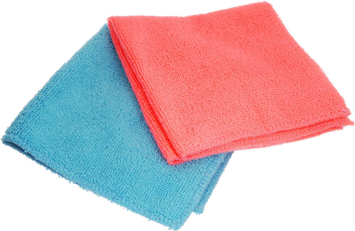 Салфетка для уборки Помощница из микрофибры, цвет: розовый, голубой, 30 х 30 см, 2 штЕ4802_розовый, голубойСалфетки из микрофибры Помощница изготовлены из микрофибры. Это великолепная гипоаллергенная ткань, изготовленная из тончайших полимерных микроволокон. Салфетки из микрофибры могут поглощать количество пыли и влаги, в 7 раз превышающее ее собственный вес. Многочисленные поры между микроволокнами, благодаря капиллярному эффекту, мгновенно впитывают воду, подобно губке. Благодаря мелким порам микроволокна, любые капельки, остающиеся на чистящей поверхности, очень быстро испаряются, и остается чистая дорожка без полос и разводов. В сухом виде при вытирании поверхности волокна микрофибры электризуются и притягивают к себе микробов, мельчайшие частицы пыли и грязи, удерживая их в своих микропорах. Рекомендации по уходу: - Ручная и машинная стирка при температуре не более 40°С, без использования хлора, - Не отбеливать, - Не гладить, - Не рекомендуется сушить на батареях.
