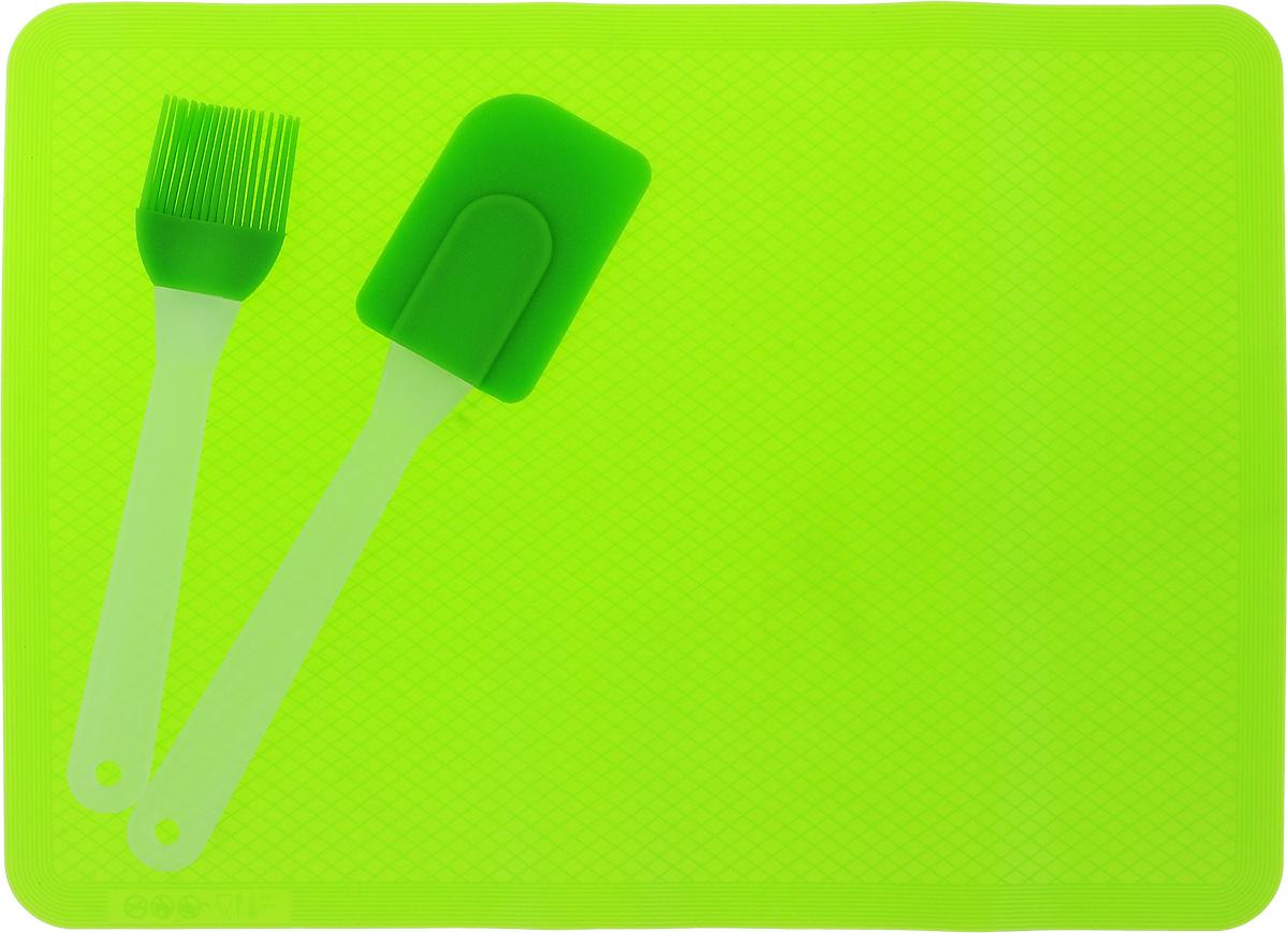 Набор кулинарный Marmiton, силиконовый, цвет: зеленый, 3 предмета16061_зеленыйНабор Marmiton состоит из кулинарной кисти, кулинарной лопатки и коврика. Предметы набора изготовлены из пищевого силикона. Изделия из силикона выдерживают высокие и низкие температуры (от - 40°С до +220°С). Они износостойки, легко моются, не горят и не тлеют, не впитывают запахи, не оставляют пятен. Силикон абсолютно безвреден для здоровья. Кулинарная лопатка и кисть с удобными пластиковыми ручками станут вашими незаменимыми помощниками на кухне, так как их можно использовать на посуде с любыми видами покрытий. Коврик быстро нагревается, равномерно пропекает, не допускает подгорания выпечки с краев или снизу. Нет необходимости смазывать коврик маслом. Кулинарный набор Marmiton - отличный подарок, необходимый любой хозяйке. Изделия можно мыть в посудомоечной машине. Длина кулинарной лопатки: 25 см. Размер рабочей поверхности лопатка: 8,5 х 6 см. Длина кулинарной кисти: 21 см. Размер рабочей...