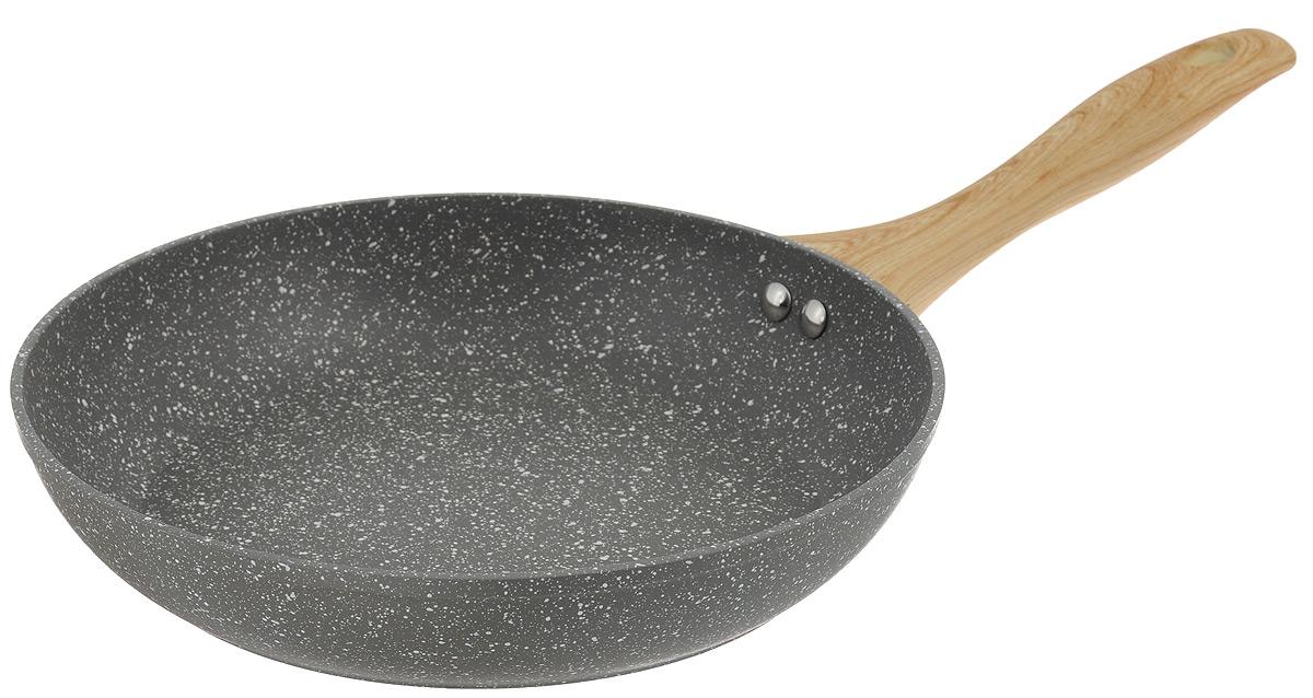 Сковорода Walmer Stonehenge, с антипригарным покрытием. Диаметр 26 смW10162602Сковорода Walmer Stonehenge изготовлена из кованого алюминия с антипригарным покрытием Marble Coating, обеспечивающим быстрый и равномерный нагрев. Кроме того, с таким покрытием пища не пригорает и не прилипает к стенкам, поэтому можно готовить с минимальным добавлением масла и жиров. Эргономичная ручки из бакелита не нагревается и обеспечивает непревзойдённый комфорт и удобство во время готовки. Дно и стенки очень прочные, не подвержены деформации. Подходит для всех типов плит, включая индукционные. Диаметр по верхнему краю: 26 см. Высота стенки: 5 см. Толщина стенки: 4 мм. Толщина дна: 4 мм. Длина ручки: 21 см.