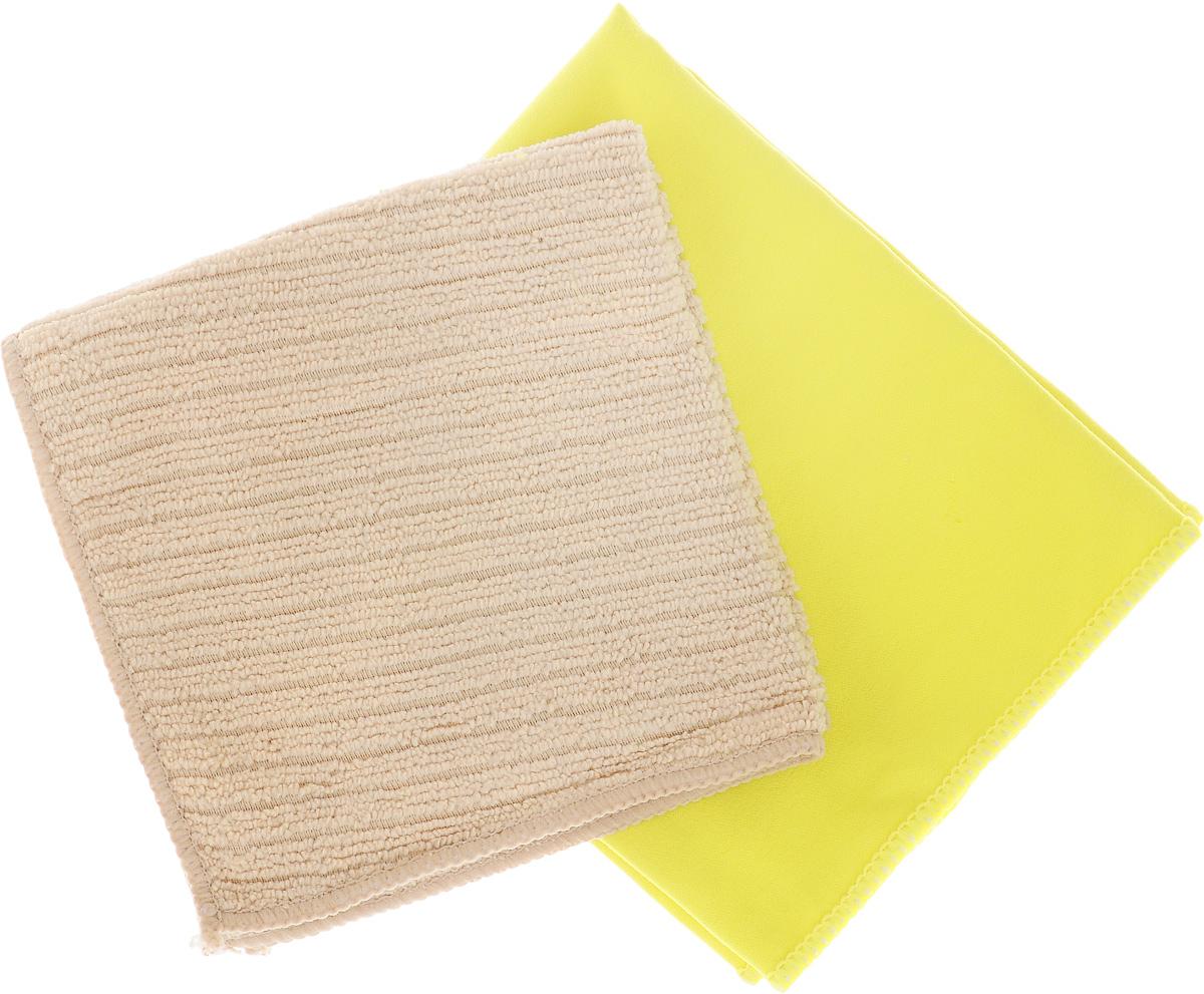 Набор салфеток для мытья и полировки автомобиля Sapfire Cleaning Cloth & Suede, цвет: желтый, бежевый, 35 х 40 см, 2 штSFM-3069_желтый, бежевыйНабор многофункциональных салфеток Sapfire Cleaning Cloth & Suede выполнен из микрофибры и искусственной замши. Каждая нить после специальной химической обработки расщепляется на 12-16 клиновидных микроволокон. Микрофибровое полотно удаляет грязь с поверхности намного эффективнее, быстрее и значительно более бережно в сравнении с обычной тканью, что существенно снижает время на проведение уборки, поскольку отсутствует необходимость протирать одно и то же место дважды. Набор обладает уникальной способностью быстро впитывать большой объем жидкости. Клиновидные микроскопические волокна захватывают и легко удерживают частички пыли, жировой и никотиновый налет, микроорганизмы, в том числе болезнетворные и вызывающие аллергию. Нежная текстура искусственной замши идеально подходит для сухой протирки деликатных поверхностей. Салфетка великолепно удаляет пыль и грязь. Протертая поверхность становится идеально чистой, сухой, блестящей, без...