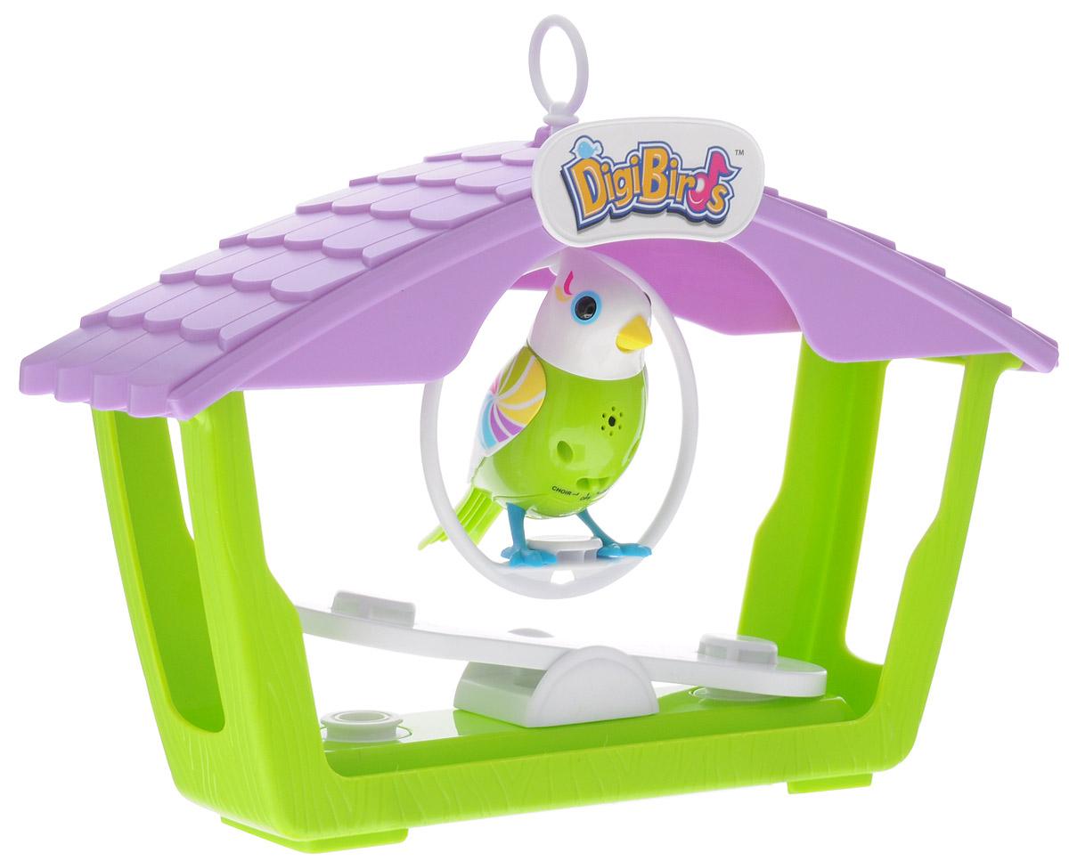 DigiFriends Интерактивная игрушка Птичка с домиком88400Большой домик для птиц с поющей птичкой подарит ребенку множество незабываемых игр. Птичка умеет петь как соло, так и в хоре - вместе с другими птичками. В домике оборудованы качели для двух птичек и подвесной круг-качелька. Подвесные качели можно разместить внутри домика или под ним. Чтобы активировать режим проигрывания мелодий и птичьего щебета, достаточно посвистеть в свисток, имеющийся в комплекте. Кольцо-свисток может быть использовано в качестве насеста-переноски. Игрушка издает 55 вариантов мелодий и звуков. Голова птички двигается в такт мелодии, а клюв - открывается. Игрушка может спеть вместе со всеми персонажами Digifriends в режиме хор. Птичка, которую активировали первой, становится солистом. Управлять пением пернатой звезды или целым хором - исключительно увлекательное занятие, которое надолго привлечёт внимание любого ребёнка. Птичка может стать персонажами сюжетно-ролевой игры, которая способствует не только умственному развитию ребенка, но и...