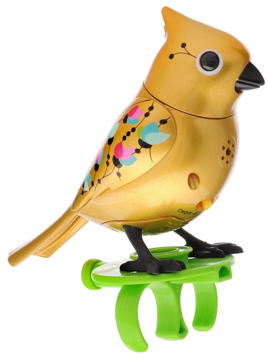 DigiBirds Интерактивная игрушка Птичка с кольцом цвет золотой88409У вас есть шанс получить уникального домашнего питомца - поющую птичку. Не каждый может похвастаться этим. Эта умная птичка интерактивная, она будет развлекать вас различными мелодиями, пением и ритмичными движениями. Для активизации птички необходимо подуть на нее. Чтобы активировать режим проигрывания мелодий достаточно посвистеть в свисток, который имеется в комплекте. Игрушка издает 55 вариантов мелодий и звуков. Кольцо-свисток может служить как переносной насест для птички. Ребенок может надеть кольцо на два пальца, закрепить там игрушку и свободно играть или даже бегать. Птичка DigiBirds устойчива на любой ровной поверхности. Игрушка может поворачивать голову и шевелить клювом в такт мелодии. Игрушка работает в двух режимах: соло и хор. Можно синхронизировать неограниченное количество птичек или других персонажей DigiFriends. Главным в хоре становится персонаж, которого первого включили. Необходимо размещать DigiFriends на расстоянии не более 15 см от главной...