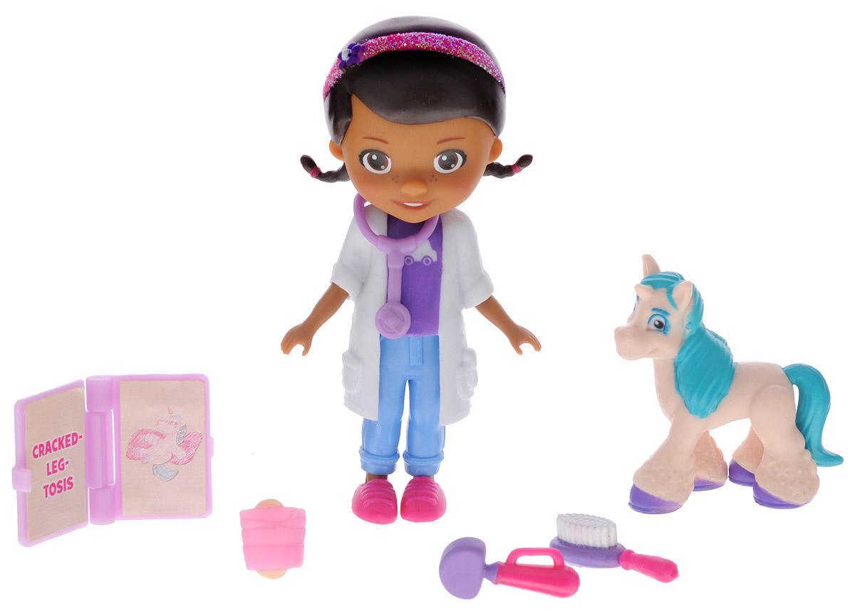 Disney Игровой набор Доктор Плюшева и единорог90805_доктор и единорогИгровой набор Disney Доктор Плюшева и единорог привлечет внимание вашей малышки и подарит много часов, посвященных игре с ней. Фигурки набора выполнены из качественного безопасного материала в виде персонажей популярного мультсериала Доктор Плюшева. Дотти - главная героиня мультфильма, шестилетняя девочка, очень добрая, приветливая и всегда готова вылечить любую игрушку. В комплект входит фигурка единорога и пять аксессуаров: стетоскоп, книга болезней и дополнительные медицинские принадлежности. Игра с набором поможет развить в вашей малышке тактильную чувствительность и воображение, а также чувство ответственности и заботы.