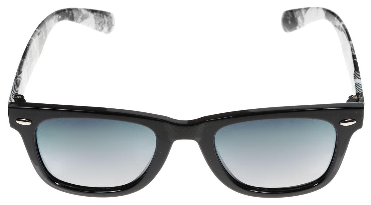 Очки солнцезащитные женские Fabretti, цвет: белый, черный. A1610-10A1610-10Солнцезащитные женские очки Fabretti выполнены с линзами из высококачественного пластика. Используемый пластик не искажает изображение, не подвержен нагреванию и вредному воздействию солнечных лучей, защищает от бликов, повышает контрастность и четкость изображения, снижает усталость глаз и обеспечивает отличную видимость. Линзы имеют степень затемнения Cat. 3. Пластиковая оправа очков, выполненная в оригинальной черно-белой гамме, дужки декорированы рисунком в клетку. Оправа легкая, прилегающей формы и поэтому не создает никакого дискомфорта. Такие очки защитят глаза от ультрафиолетовых лучей, подчеркнут вашу индивидуальность и сделают ваш образ завершенным.