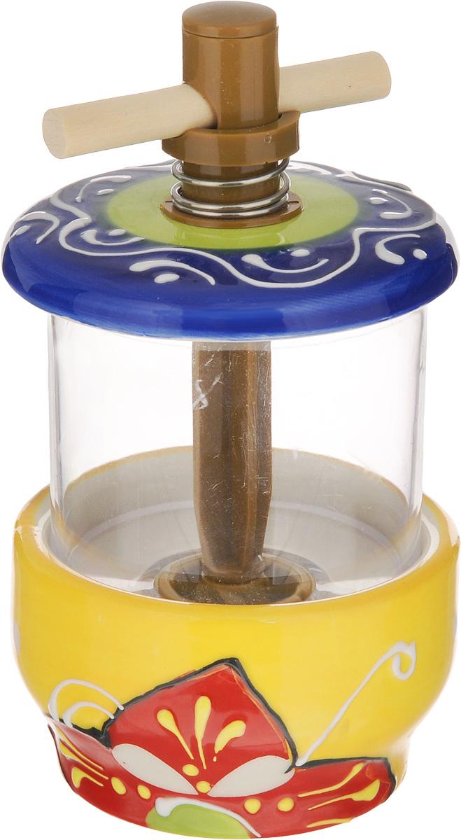 Мельница для специй Elan Gallery Солнечный цветок, высота 13 см450067Мельница для специй Elan Gallery Солнечный цветок изготовлена из керамики. Изделие предназначено для перемола перца, соли и других специй. Стоит только покрутить механизм мельницы, и вы с легкостью сможете поперчить или посолить по своему вкусу любое блюдо. Механизм мельницы изготовлен из пластика. Мельница для специй Elan Gallery Солнечный цветок не только поможет вам с приготовлением пищи, но и стильно украсит любую кухню. Высота мельницы: 13 см.