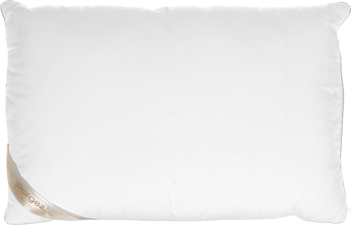 Подушка Dargez Женева, наполнитель: пух, цвет: белый, 50 х 70 см113238Подушка Dargez Женева подарит комфорт и уют во время сна. Чехол подушки, выполненный из 50% вискозы и 50% полиэстера, оформленный фигурной стежкой, которая надежно удерживает наполнитель внутри. Натуральное сырье, инновационные разработки и современные технологии - вот рецепт вашего крепкого сна. Изделия коллекции способны стать прекрасным подарком для людей, ценящих красоту и комфорт. Особенности подушки Dargez Женева: - необычайно гладкая поверхность ткани, - высокая воздухопроницаемость, - поддержание оптимального уровня влажности, - долговечность в использовании, - хорошая терморегуляция, - антибактериальность, - мягкость и легкость, Рекомендации по уходу: - стирка при температуре не более 40°С. - запрещается отбеливать, гладить. - можно выжимать и сушить в стиральной машине.
