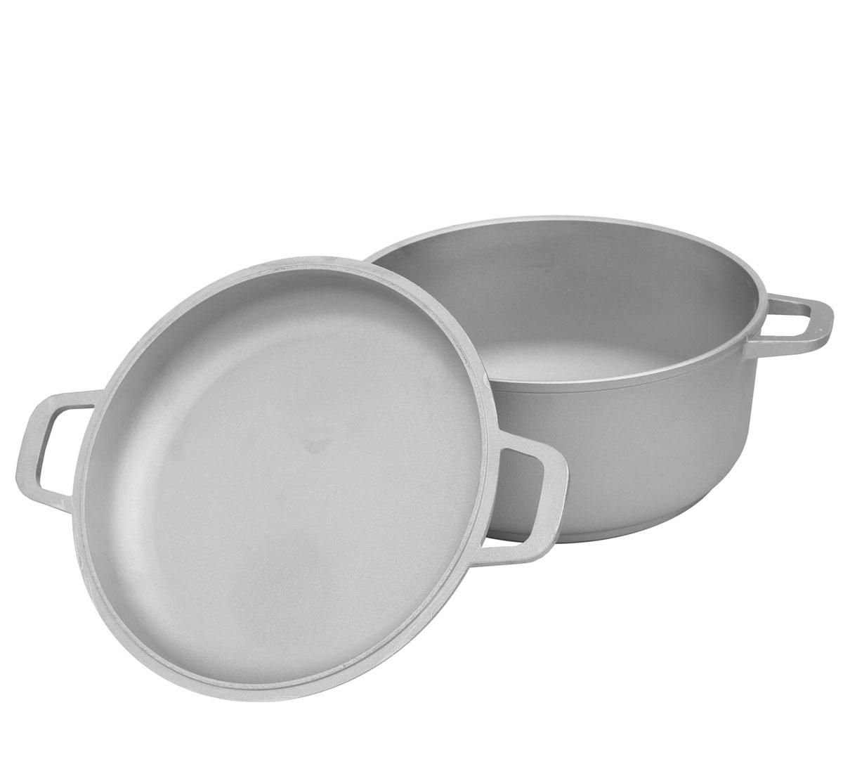 Кастрюля Биол с крышкой-сковородой, 7 л. К702К702Кастрюля Биол выполнена из высококачественного литого алюминия. Изделие оснащено крышкой, которая также может послужить в качестве сковороды. Имеет утолщенное дно. Посуда равномерно распределяет тепло и обладает высокой устойчивостью к деформации, легкая и практичная в эксплуатации, обладает долгим сроком службы. Подходит для использования на электрических, газовых и стеклокерамических плитах. Не подходит для индукционных плит. Можно мыть в посудомоечной машине. Диаметр (по верхнему краю): 28 см. Высота стенки кастрюли: 13,3 см. Высота стенки крышки: 5,5 см. Ширина кастрюли (с учетом ручек): 36,5 см.