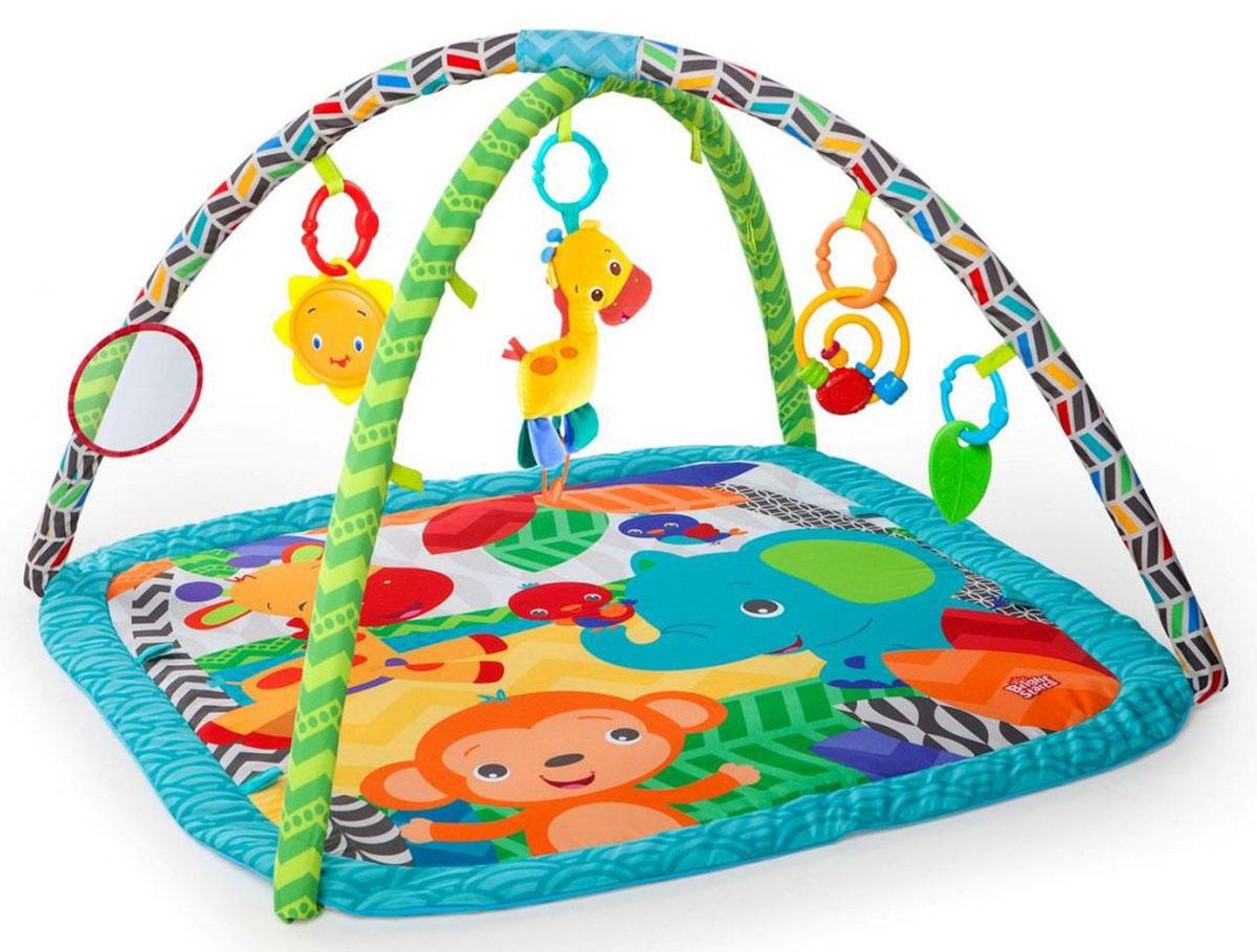 Bright Starts Развивающий коврик Веселый жираф52169Развивающий коврик Bright Starts Веселый жираф оснащен целым комплексом забавных и полезных для малыша игрушек. Их можно подвешивать на дугах, а можно использовать отдельно. Веселый жираф издает 4 веселых мелодии и имеет удобное колечко для подвешивания. Также в комплекте есть полезные и приятные для зубок прорезыватели и безопасное зеркальце. Еще одна интересная игрушка-подвеска сделана в виде спиральки, по которой ребенок сможет пальчиками двигать разноцветные элементы. Дуги легко снимаются. Освобожденный от них и от игрушек коврик легко постирать в машинке. Игрушки в комплекте: погремушка, прорезыватель, безопасное зеркальце, мягкая игрушка жираф. Коврик складной, что облегчает его транспортировку. Bright Starts - это торговая марка американской компании Kids II, которая появилась на свет в 1969 году. Несмотря на давнюю широкую известность в Америке и странах Европы, для российского рынка Bright Starts относительной новый бренд. Однако, не...