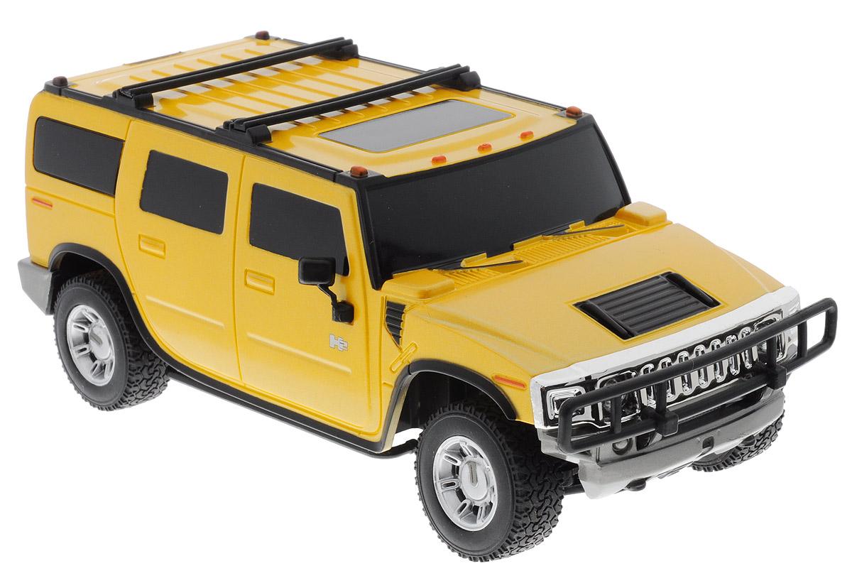 Rastar Радиоуправляемая модель Hummer H2 цвет желтый масштаб 1:2728500_желтыйРадиоуправляемая модель Rastar Hummer H2 обязательно привлечет внимание взрослого и ребенка, и понравится любому, кто увлекается автомобилями. Маневренная и реалистичная уменьшенная копия реального авто выполнена в точной детализации с настоящим автомобилем в масштабе 1:27. Управление машинкой происходит с помощью пульта. Машина двигается вперед и назад, поворачивает направо, налево и останавливается. Имеются световые эффекты. Колеса игрушки прорезинены и обеспечивают плавный ход, машинка не портит напольное покрытие. Пульт управления работает на частоте 40 MHz. Радиоуправляемые игрушки способствуют развитию координации движений, моторики и ловкости. Ваш ребенок часами будет играть с моделью, придумывая различные истории и устраивая соревнования. Порадуйте его таким замечательным подарком! Машина работает от 3 батареек напряжением 1,5V типа АА (не входят в комплект). Пульт управления работает от 2 батареек напряжением 1,5V типа АА (не...