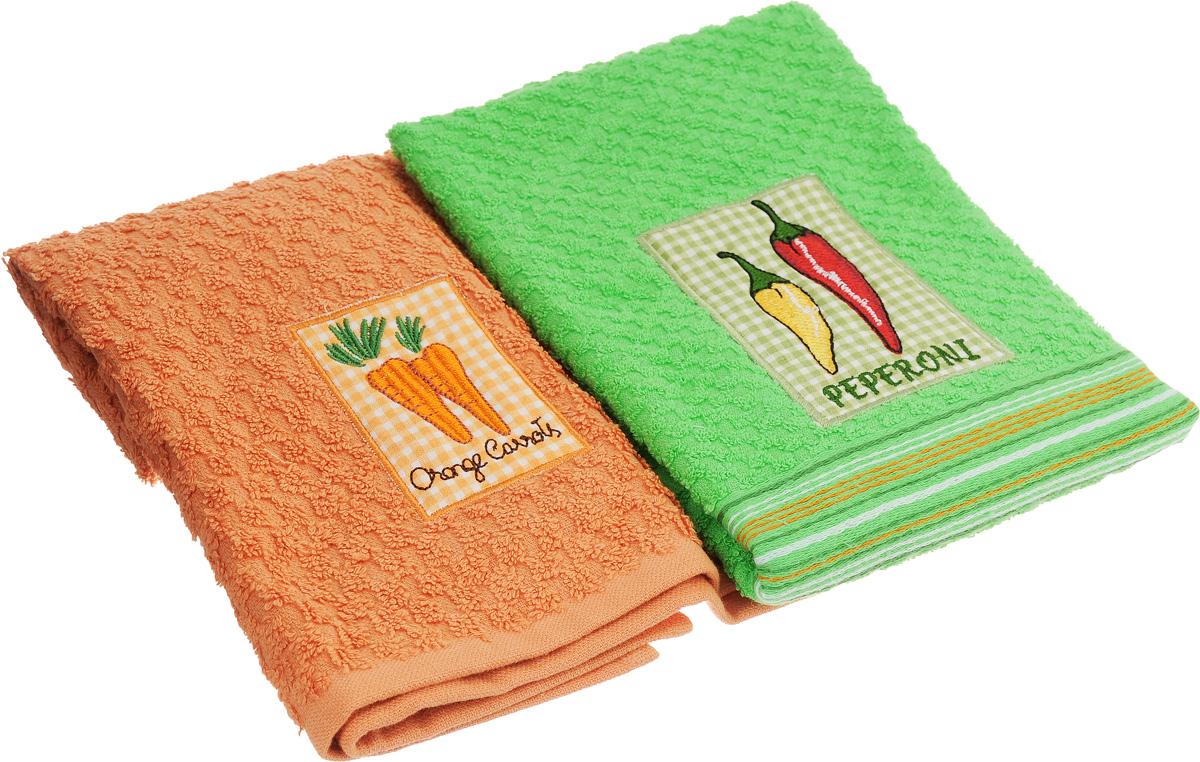 Набор махровых полотенец Bonita Морковь. Перец, 40 х 60 см, 2 шт20100313373_морковь/перцНабор полотенец Bonita Морковь. Перец, изготовленный из натурального хлопка, идеально дополнит интерьер вашей кухни и создаст атмосферу уюта и комфорта. В набор входят два махровых полотенца, оформленных вышивкой в виде моркови и перцев. Изделия выполнены из натурального материала, поэтому являются экологически чистыми. Высочайшее качество материала гарантирует безопасность не только взрослых, но и самых маленьких членов семьи. Кухня, столовая, гостиная - то место в доме, где хочется собраться всем вместе, ощутить радость и уют. И немалая доля этого уюта зависит от подобранных под вашу мебель, и что уж говорить, под ваше настроение полотенец, скатертей, салфеток и прочих милых мелочей. Bonita предлагает коллекции готовых стилистических решений для различной кухонной мебели, множество видов, рисунков и цветов. Вам легко будет создать нужную атмосферу на кухне и в столовой с товарами Bonita.