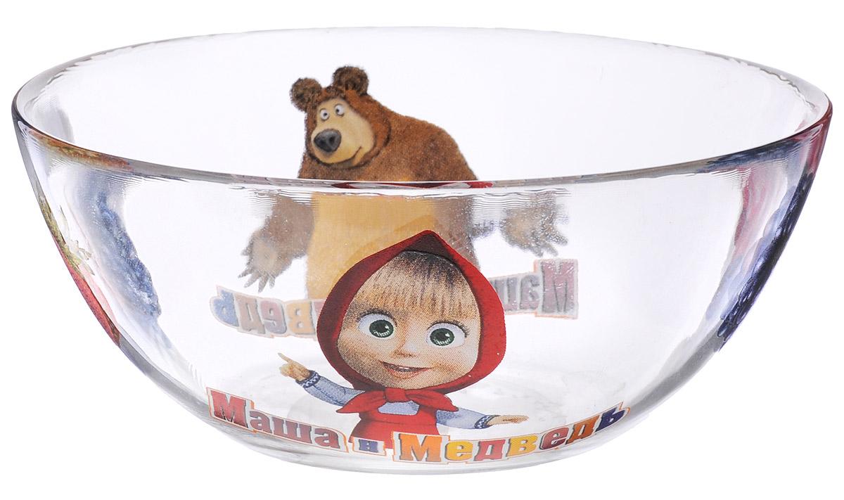 Маша и Медведь Салатник Лето диаметр 13 см10341Салатник Маша и Медведь Лето, изготовленный из стекла, оформлен изображениями героев известного мультфильма Маши и Медведь. Он идеально подходит для сервировки стола. Такой салатник не только украсит ваш кухонный стол, но и подчеркнет прекрасный вкус хозяйки и станет отличным подарком. Диаметр салатника (по верхнему краю): 13 см.