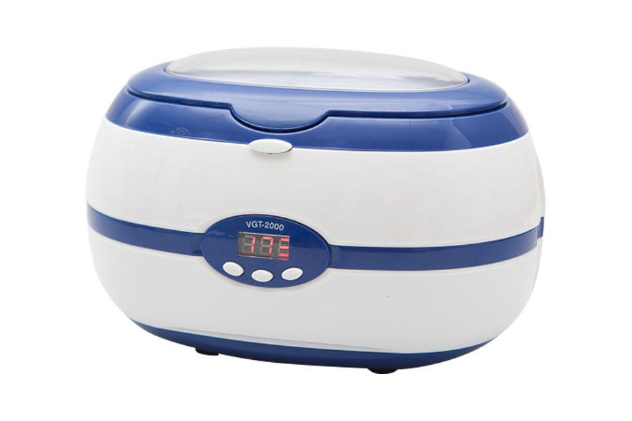 Dongri Ультразвуковая мойка Digital Ultrasonic cleaner VGT -20002971Ультразвуковая ванна (мойка) SD-2000 предназначена для быстрой и эффективной очистки косметического инструмента с помощью ультразвука в растворе дезинфицирующего средства. Отличительные особенности: таймер с предустановленными параметрами, цифровой экран, ванна из нержавеющей стали. Мойка идеально подходит для очистки маникюрных/педикюрных боров и фрез от мелкой пыли, кожи и остатков гелевых и акриловых материалов. Кроме этого, прибор может использоваться для чистки ювелирных изделий, таких как серьги, цепочки, кольца и так далее. Цвета: синий, серый. Объем: 600 мл.