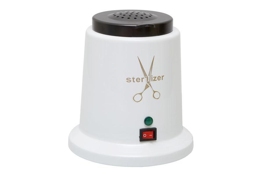 Dongri Гласперленовый стерилизатор Sterilizer2603Чтобы поверхность инструментов мастера оставалась стерильной и пригодной для многоразового использования, она должна обязательно подвергаться тепловой обработке. Шариковый стерилизатор SD-505 является незаменимым предметом профессионального оборудования для маникюрного кабинета или косметологического салона. Эта однокамерная модель сочетает в себе приемлемую стоимость, надежность и функциональность. Основные характеристики: Нагревается до 250 градусов; Питание производится от розетки; Готов к работе через 30 секунд после подключения к сети; Процедура стерилизации инструментов занимает 10-20 секунд; Готовность к повторной обработке через 30 секунд.