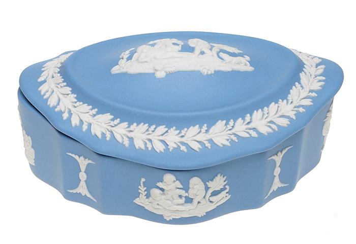 Шкатулка для мелочей. Голубой бисквит, рельеф. Wedgwood, Великобритания, конец ХХ века