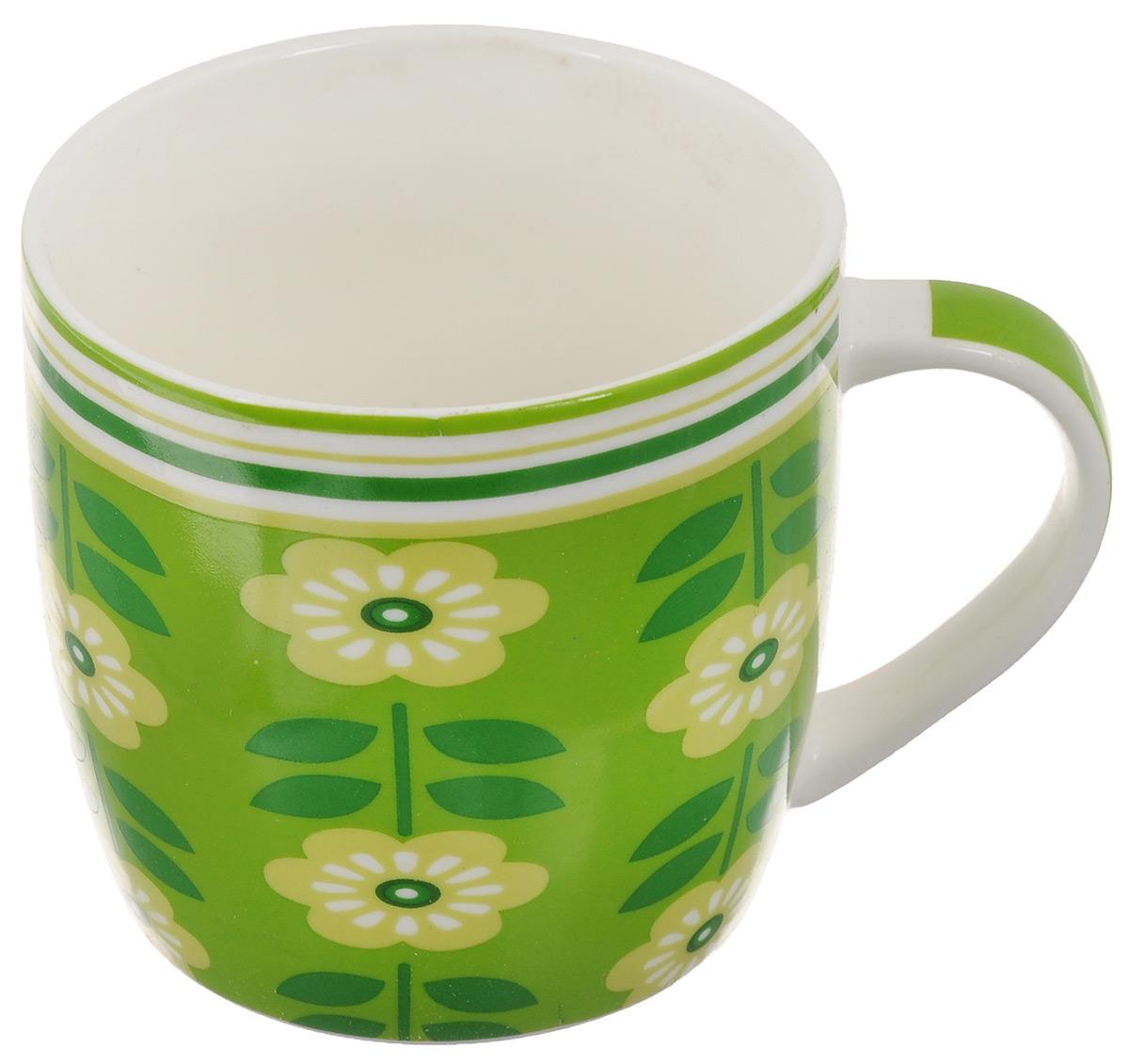 Кружка Loraine Цветы, цвет: зеленый, салатовый, белый, 320 мл24474Оригинальная кружка Loraine Цветы выполнена из костяного фарфора и оформлена красочным изображением. Она станет отличным дополнением к сервировке семейного стола и замечательным подарком для ваших родных и друзей. Диаметр кружки (по верхнему краю): 8,5 см. Высота кружки: 8,4 см.