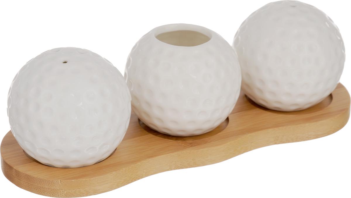 Набор для специй Elan Gallery Айсберг, 4 предмета540089Великолепный набор Elan Gallery Айсберг состоит из перечницы, солонки и вазочки под зубочистки, изготовленных из керамики. Емкости для специй просты в использовании: стоит только перевернуть емкости, и вы с легкостью сможете поперчить или добавить соль по вкусу в любое блюдо. Этот набор оригинального дизайна и безукоризненного качества станет украшением вашего стола, а благодаря своим небольшим размерам он не займет много места на вашей кухне. Набор располагается на деревянной подставке. Не использовать в микроволновой печи. Размер солонки/перечницы: 5,5 х 5,5 х 5,5 см. Диаметр вазочки (по верхнему краю): 2,5 см. Высота вазочки: 5 см.