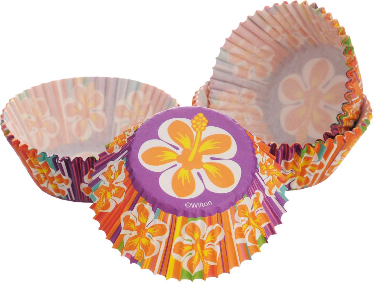 Набор форм для кексов Wilton, диаметр 7,5 см, 75 шт. WLT-415-1681WLT-415-1681Набор Wilton состоит из 75 бумажных форм. Изделия предназначены для упаковки и украшения кексов, кондитерских изделий, а также их можно использовать для сервировки орешков, конфет и других угощений. Гофрированные бумажные формы оформлены ярким изображением цветов и идеальны для сервировки праздничного стола. Диаметр (по верхнему краю): 7,5 см. Высота стенки: 3 см.