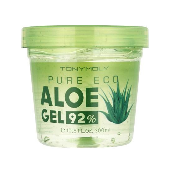 TonyMoly Гель с экстрактом алое PURE ECO ALOE GEL, 300 млBD02011800Универсальное высококонцентрированное средство с алоэ для каждодневного использования. Оно помогает увлажнить, освежить и успокоить кожу. Используйте средство, как легкий дневной крем, как средство от ожогов и царапин и даже миксуйте с Вашим любимым ББ кремом. Рекомендации от бренда: - храните средство в холодильнике для дополнительного охлаждающего эффекта. - при ожогах, нанесите гель толстым слоем и оставьте на 15 минут на коже. Смойте гель теплой водой и нанесите еще раз уже тонким слоем до полного впитывания. - круги и припухлости под глазами: нанесите немного геля на 2 ватных диска и положите в полиэтиленовый пакет. Уберите пакет на несколько минут в морозильную камеру. Когда диски немного подмерзнут, достаньте и нанесите их на глаза. Гель алое и холод помогут Вам освежить глаза и снять припухлости.