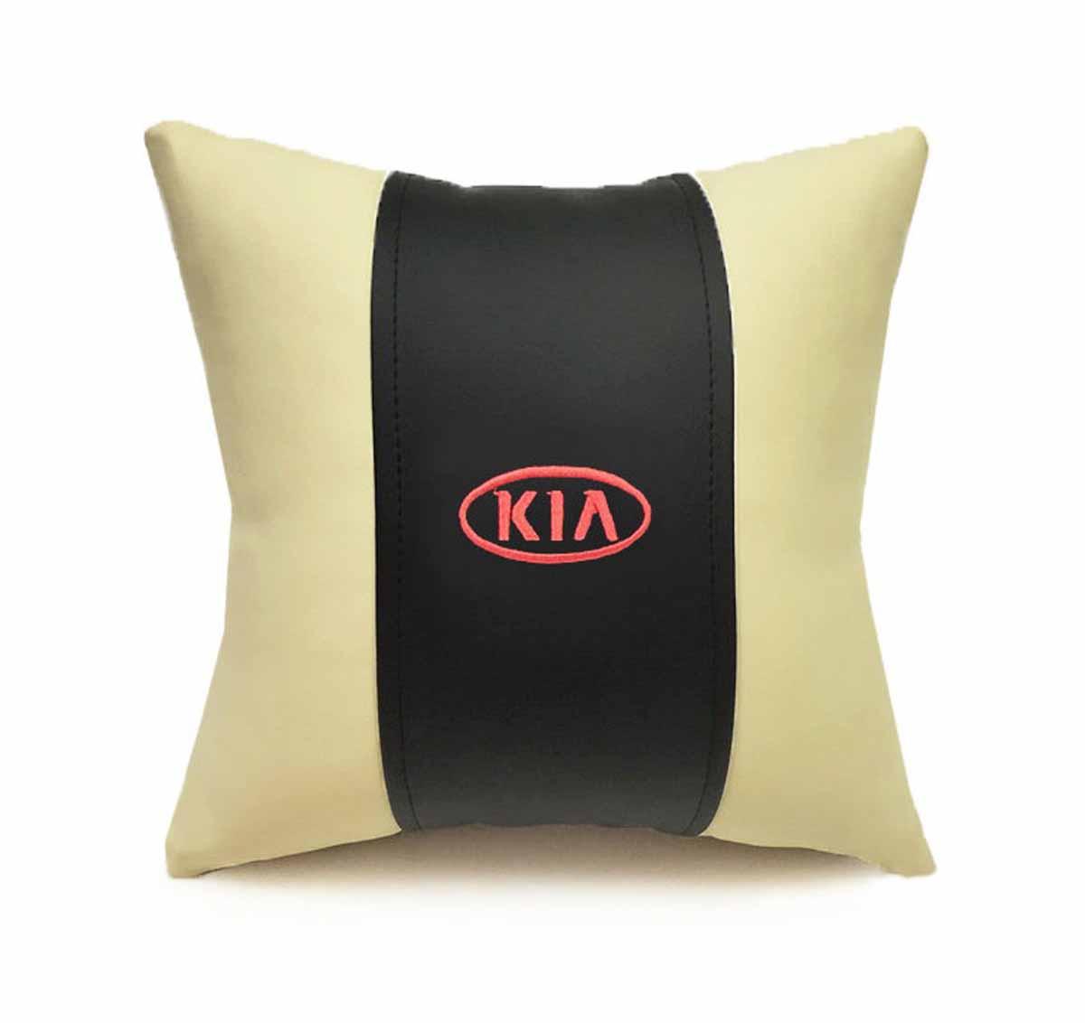Подушка декоративная Auto premium KIA, цвет: черно-бежевый. 3705437054Подушка в машину с вышивкой автологотипа - отличное дополнение для салона Вашего авто. Мягкая подушка изготовлена из матовой экокожи будет удобна пассажиру. К тому же не перестанет радовать Вас своим видом. Оптимальный размер подушки (30х30) не загромождает салон автомобиля.