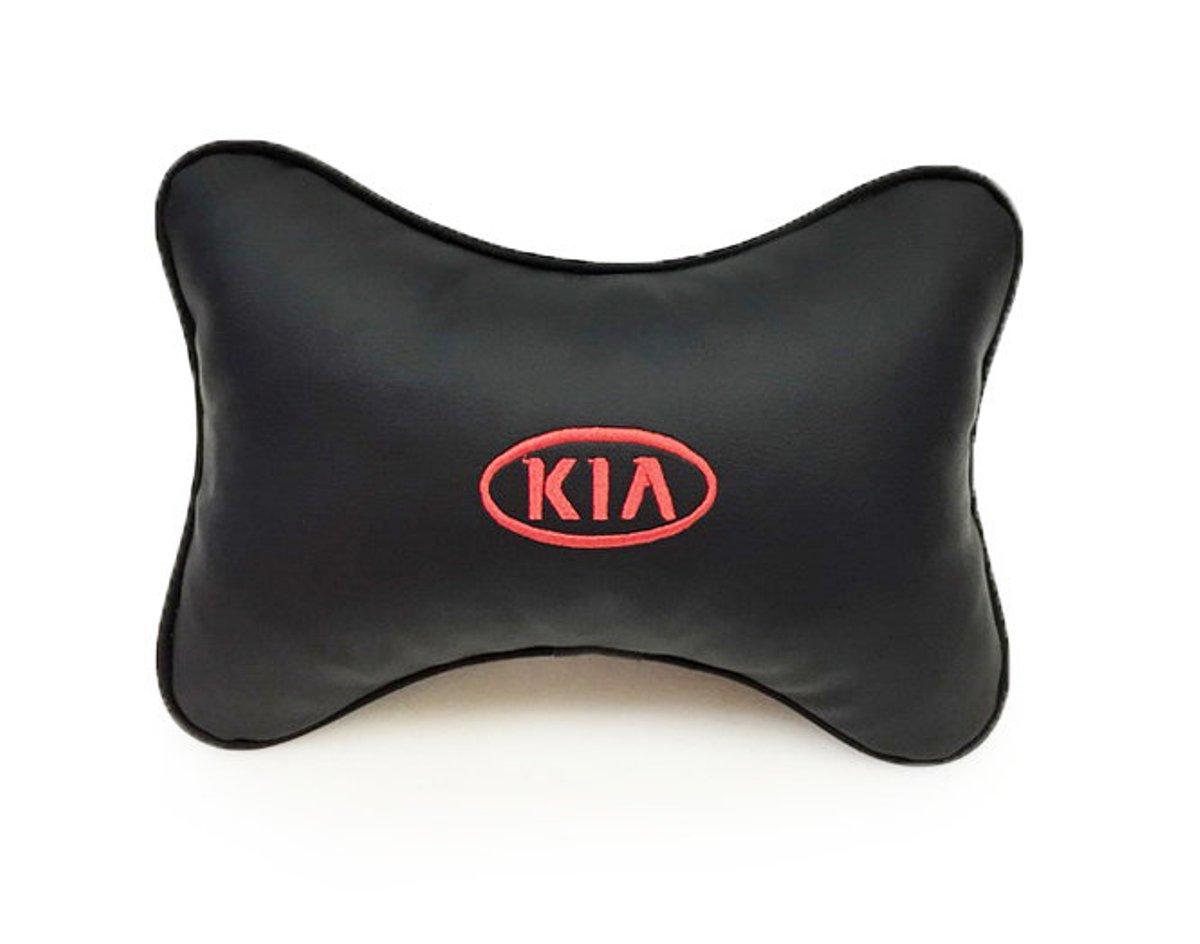 Подушка на подголовник Auto premium KIA, цвет: черный. 3701537015Подушка на подголовник-это прежде всего это лучший способ создать комфорт для шеи и головы во время пребывания в автомобильном кресле. Большинство штатных подголовников устроены так, что до них попросту не дотянуться. Данный аксессуар полность решает эту проблему, создавая мягкую ортопедическою поддержку. Подушка крепится к сиденью, а это значит один раз поставил - и забыл. Меньше утомляемость - а следовательно выше внимание и концентрация на дороге. Одинакова удобна для пассажира и водителя. Выполнена из эко-кожи, а значит имеет повышенный ресурс и прочность. Легко чистится влажной тряпкой, не требует стирки, не впитывает пыль и грязь. Экокожа дышащий материал, а значит будет комфортно и летом.