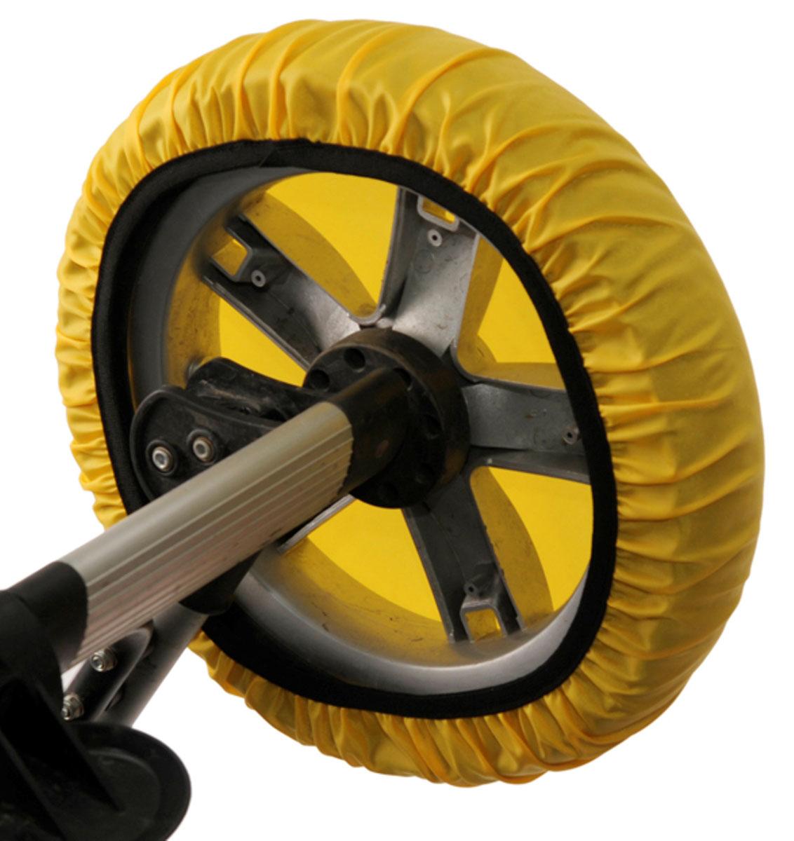 Чудо-Чадо Чехлы на колеса для коляски диаметр 28-38 см цвет желтый 4 штCHK01-006То, что с малышом нужно чаще гулять, знают все. Но как же неохота после этого каждый раз мыть колёса у коляски. А и не нужно! Представляем необычайно удобную вещь - чехлы на колеса для коляски Чудо-Чадо! Это простое решение для защиты от грязи в любое время года. Чехлы имеют самый стандартный размер, подходящий для большинства колёс на рынке колясок. Чехлы незаменимы, когда малыш крепко спит, а вы уже нагулялись, но будить его не хочется. Просто наденьте чехлы на колёса и закатите коляску домой. Чистый пол и хорошее настроение вам обеспечены. Редкий автолюбитель приемлет грязь в багажнике. Удобно упаковать колёса в чехлы и убрать коляску в багажник. И никакой грязи! Не нужно часто мыть колеса коляски. Уличная грязь не соприкасается с вашим полом, она остаётся в чехле. Удобная конструкция предотвратит высыпание даже засохшей грязи. Ткань, из которой сделаны чехлы, легко стирается. Важно: чехлы не подходят для колёс с креплением вилка и на поворотные...