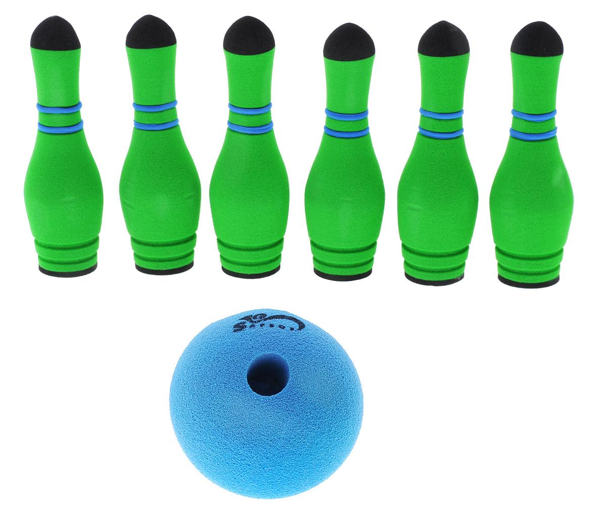 Safsof Игровой набор Мини-боулинг цвет синий зеленыйMBB-05(B)_синий,зеленыйИгровой набор Safsof Мини-боулинг, изготовленный из вспененной резины и полимера, состоит из шести кеглей и шара. Набор выполнен из мягкого материала, что обеспечивает безопасность ребенку. Суть игры в боулинг - сбить шаром максимальное количество кеглей. Число игроков и количество туров - произвольное. Очки, набранные с каждым броском мяча, рассматриваются как количество сбитых кегель. Расстояние, с которого совершается бросок, определяется игроками. Каждый игрок имеет право на два броска в одной рамке (рамка - треугольник, на поле которого выстраиваются кегли перед каждым первым броском очередного игрока). Бросок, при котором все кегли сбиты, называется страйк и обозначается как Х. Если все кегли сбиты первым броском, второй бросок не требуется: рамка считается закрытой. Призовые очки за страйк - это сумма кеглей, сбитых игроком следующими двумя бросками. Выигрывает тот игрок, который в сумме набирает больше очков.