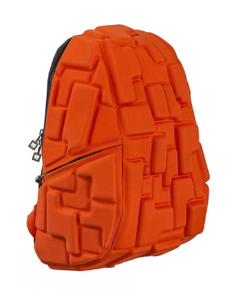 Рюкзак молодежный MadPax Blok Full, цвет: оранжевый, 33 лKZ24484001Стильный и практичный рюкзак уместный в ритме большого города. Основное отделение закрывается на молнию. Внутри изделия есть отделение для ноутбука с максимальным размером диагонали 17 дюймов. По бокам - два дополнительных кармана на молнии. Модель помимо лямки для переноски в руке, мягких и широких регулируемых бретелей снабжена фиксацией на груди. Полностью вентилируемая и ортопедическая спинка создаёт дополнительный комфорт Вашей спине.
