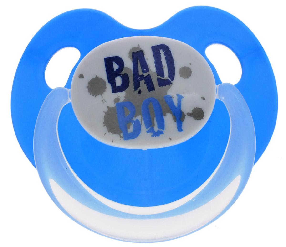Bibi Пустышка силиконовая Bad Boy от 6 до 16 месяцев цвет синий112372_синийСиликоновая пустышка Bibi Bad Boy предназначена для детей от 6 до 16 месяцев. Размер соски разработан в соответствии с возрастом ребенка. Форма соски способствует естественному развитию неба и челюсти. Анатомическая форма нагубника повторяет форму рта и обеспечивает удобство при движении нижней челюсти. Дополнительную безопасность обеспечивают два вентиляционных отверстия. Силиконовая пустышка Bibi Bad Boy - это модный аксессуар, сочетающий качество, функциональность и положительные эмоции. Не содержит бисфенол-А.
