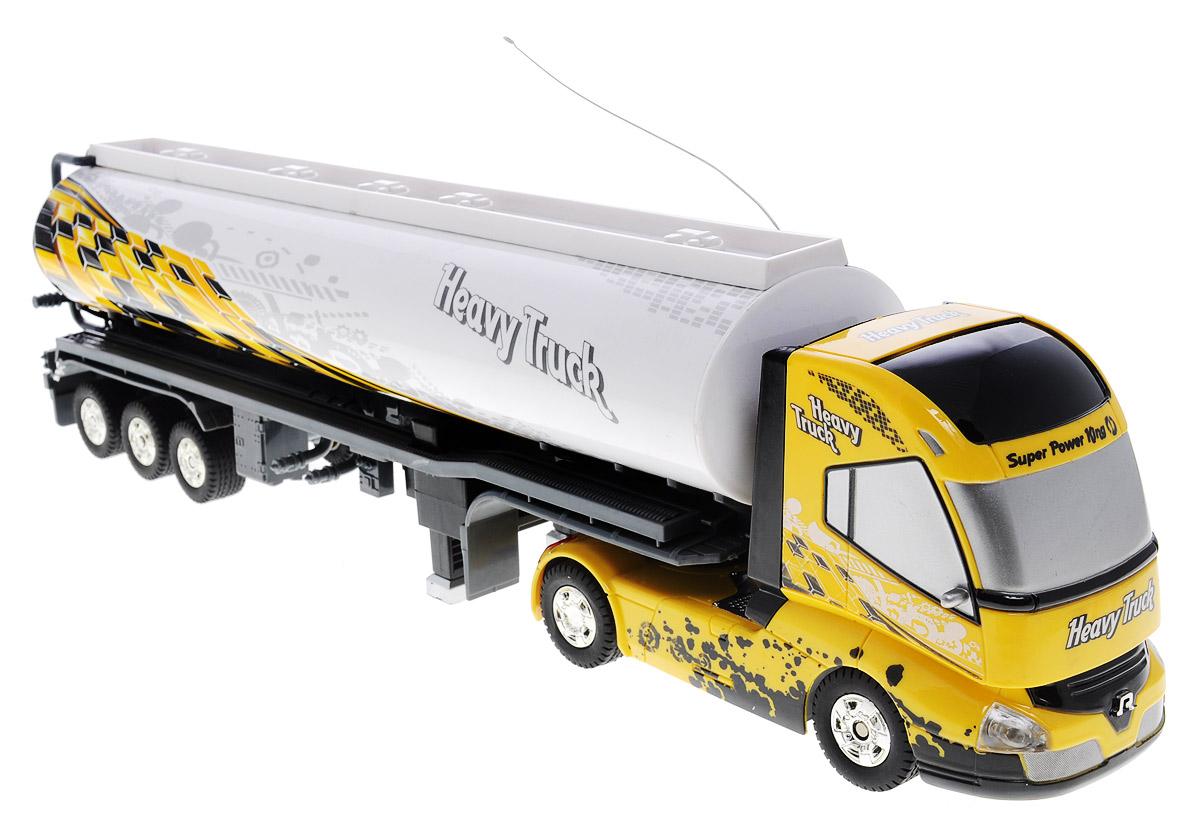 1TOY Грузовик-тягач на радиоуправлении Драйв цвет желтый черныйТ55115_желтый, черныйГрузовик-тягач на радиоуправлении 1TOY Драйв - очень интересная игрушка, копирующая реальную технику. При включении грузовика раздается звук заводящегося двигателя, движение и парковка также сопровождаются соответствующими звуками ускорения, тормозов и работы парктроника. Кузов прикрепляется к кабине на магнитных присосках, которые отсоединяются и присоединяются с пульта управления. При движении грузовика загорается подсветка автоплатформы. Машина двигается вперед и назад, поворачивает направо, налево. Радиоуправляемые игрушки способствуют развитию координации движений, моторики и ловкости. Ваш ребенок часами будет играть с грузовиком, придумывая различные истории. Порадуйте его таким замечательным подарком! Машина работает от 4 батареек типа АА напряжением 1,5V (не входят в комплект), пульт работает от батарейки 9V типа Крона (входит в комплект).