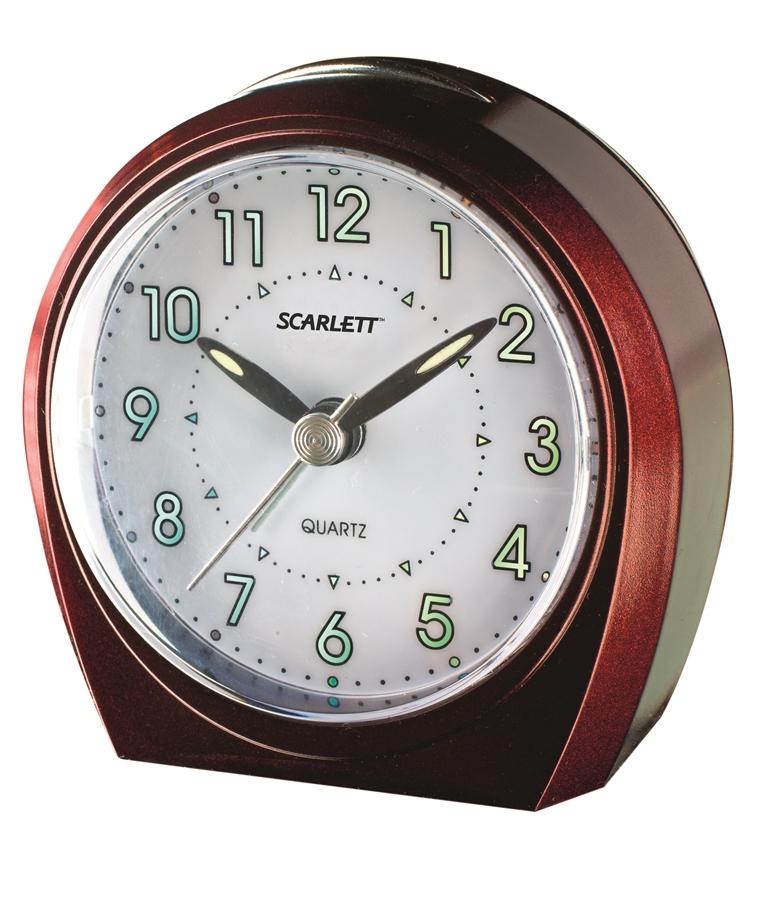 Будильник Scarlett, с подсветкой. SC - 840SC - 840Будильник Scarlett с надежным кварцевым механизмом - это не только функциональное устройство, но и оригинальный элемент декора, который великолепно впишется в интерьер вашего дома. Он снабжен четырьмя стрелками: часовой, минутной, секундной и стрелкой завода. Циферблат оформлен в классическом стиле. Подсветка циферблата позволяет пользоваться будильником и в ночное время. Сигнал будильника электронный с постепенно нарастающей громкостью, работает до его отключения. Отличительной особенностью этого будильника является то, что он обладает плавным, бесшумным ходом. Будильник работает от 1 батарейки типа АА напряжением 1,5 В (батарейка в комплект не входит). Будильник Scarlett - это надежность, качество и изящность стиля во все времена.