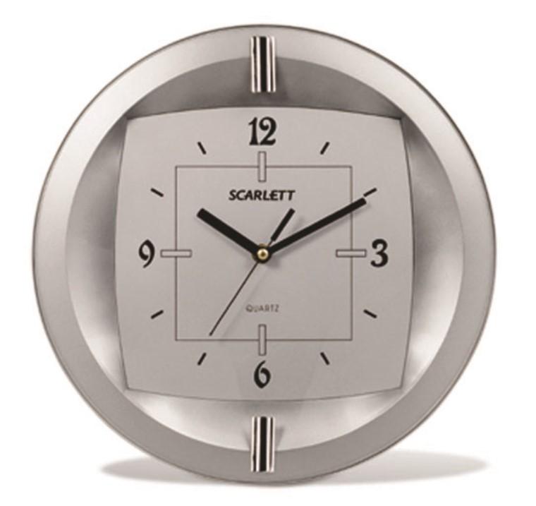 Часы настенные Scarlett, диаметр 33 см. SC - 55FTSC - 55FTНастенные кварцевые часы Scarlett в классическом дизайне, изготовленные из пластика, прекрасно впишутся в интерьер вашего дома. Круглые часы имеют три стрелки: часовую, минутную и секундную, циферблат защищен прозрачным пластиком. Часы работают от 1 батарейки типа АА напряжением 1,5 В (батарейка в комплект не входит). Диаметр часов: 33 см.