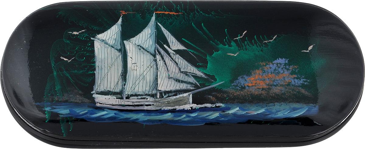 Футляр для очков Феодора Корабль, цвет: черный. Ручная роспись. T-8V-KMT-8V-KMТвердый каркасный футляр для очков, выполнен из металлопластика, внутренняя часть оформлена текстильным материалом, расписан вручную.
