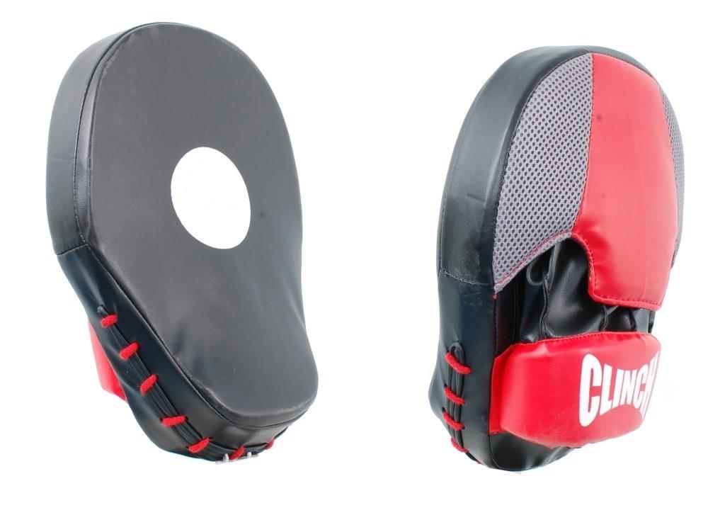 Лапы тренировочные Clinch Boken Curve Focus Pad, цвет: черно-красныйC329Лапы тренировочные Clinch. Пара. Изогнутая модель с карманом. Изготовлена из прочного полиуретана. Размер : 25 см. * 20 см