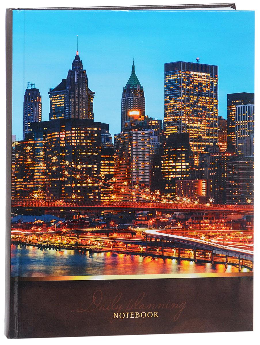 Listoff Записная книжка Огни ночного города 100 листов в клеткуКЗ51001733Записная книжка Listoff Огни ночного города - незаменимый атрибут современного человека, необходимый для рабочих и повседневных записей в офисе и дома. Записная книжка содержит 100 листов формата А5 в клетку без полей. Обложка, выполненная из ламинированного картона, украшена изображением ночного города. Внутренний блок изготовлен из высококачественной плотной бумаги, что гарантирует чистоту записей и отсутствие клякс. Записная книжка Listoff Огни ночного города станет достойным аксессуаром среди ваших канцелярских принадлежностей. Она подойдет как для деловых людей, так и для любителей записывать свои мысли, рисовать скетчи, делать наброски.