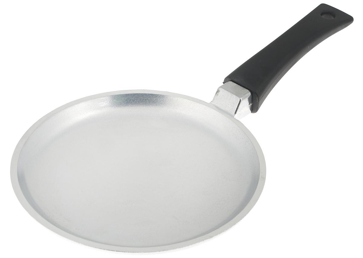 Сковорода блинная Биол Блеск. Диаметр 20 см2008ББлинная сковорода Биол Блеск выполнена из литого алюминия с ровным утолщенным дном. Изделие оснащено удобной пластиковой ручкой. Посуда равномерно распределяет тепло и обладает высокой устойчивостью к деформации, легкая и практичная в эксплуатации. Подходит для использования на электрических, газовых и стеклокерамических плитах. Не подходит для индукционных плит. Можно мыть в посудомоечной машине. Диаметр сковороды (по верхнему краю): 20 см. Высота стенки: 2 см. Длина ручки: 14,5 см.