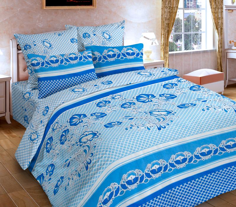 Комплект белья P&W Гжель, 1,5-спальный, наволочки 69х69, цвет: белый, голубой, синийPW-86-143-150-69Комплект постельного белья P&W Гжель выполнен из микрофибры. Комплект состоит из пододеяльника, простыни и двух наволочек. Постельное белье оформлено изысканным узором. Ткань приятная на ощупь, мягкая и нежная, при этом она прочная и хорошо сохраняет форму, легко гладится. Ткань микрофибра - новая технология в производстве постельного белья. Тонкие волокна, используемые в ткани, производят путем переработки полиамида и полиэстера. Такая нить не впитывает влагу, как хлопок, а пропускает ее через себя, и влага быстро испаряется. Изделие не деформируется и хорошо держит форму. Благодаря такому комплекту постельного белья, вы сможете создать атмосферу роскоши и романтики в вашей спальне.