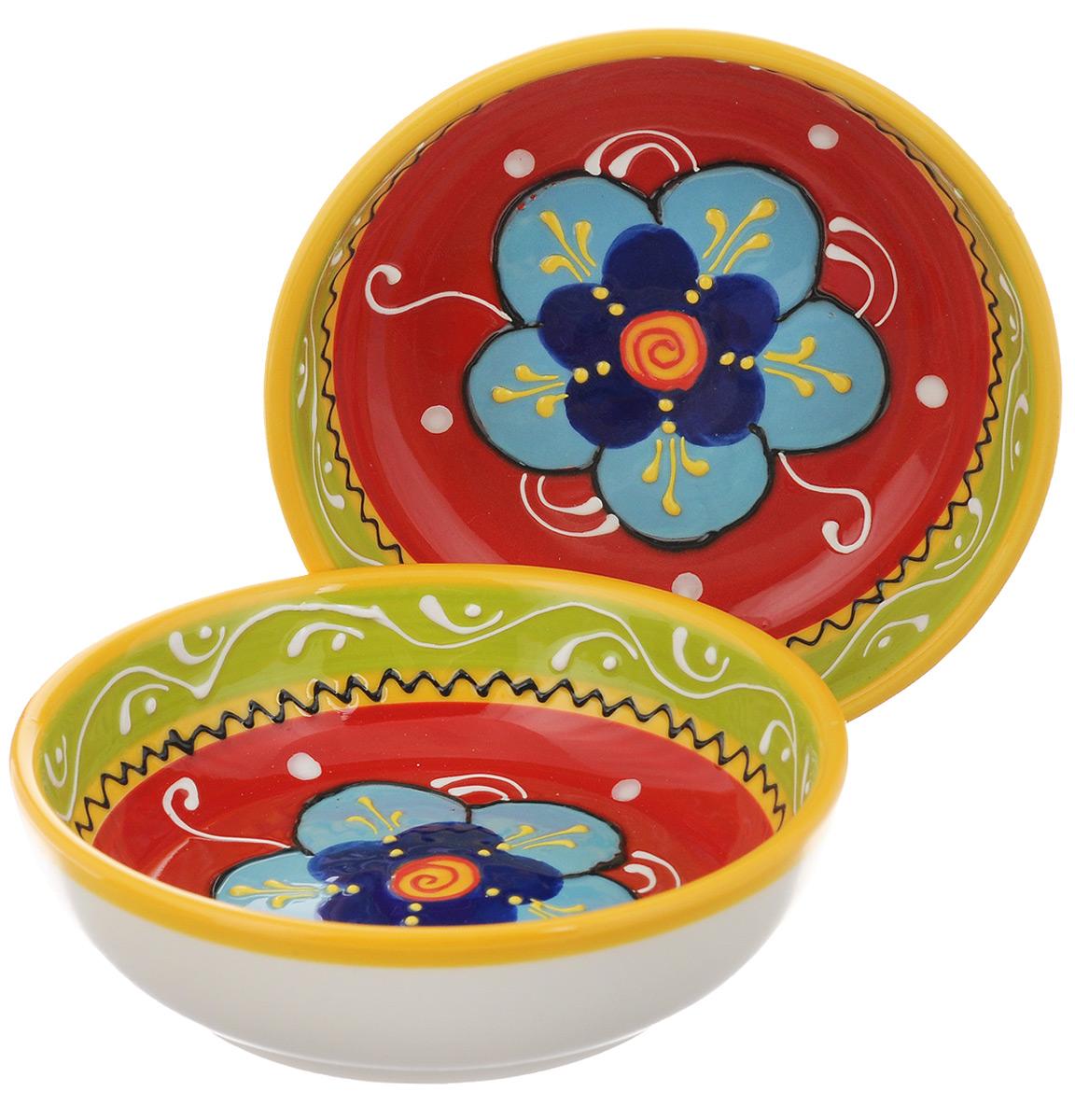 Салатник Elan Gallery Цветочное настроение, диаметр 13 см, 2 шт450038Великолепные круглые салатники Elan Gallery Цветочное настроение, изготовленные из высококачественной керамики, прекрасно подойдут для подачи различных блюд: закусок, салатов или фруктов. В наборе 2 салатника. Такие салатники украсят ваш праздничный или обеденный стол, а оригинальное исполнение понравится любой хозяйке. Не рекомендуется применять абразивные моющие средства. Не использовать в микроволновой печи. Диаметр салатника (по верхнему краю): 13 см. Высота салатника: 4 см.